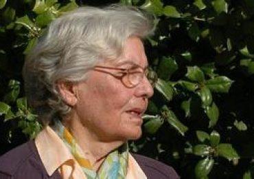 Homenaje a la escritora y poetisa Josefina Soria