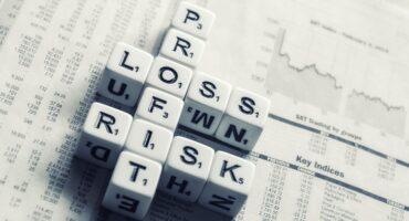 Ajustando el Riesgo y la Incertidumbre