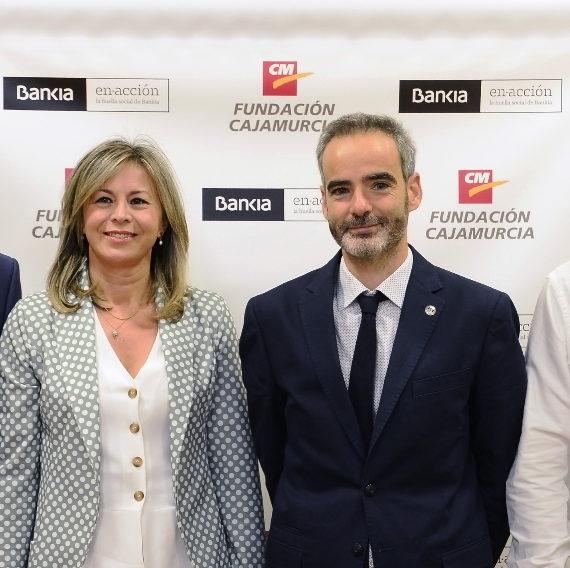 Bankia, Fundación Cajamurcia y la Universidad de Murcia conceden ayudas para estudiar en el extranjero