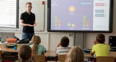 Retos del profesorado del siglo XXI: pensamiento y comunicación