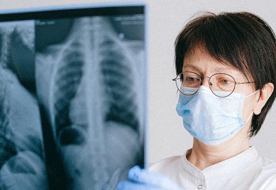 Mujeres en la sanidad murciana 1371 –1971
